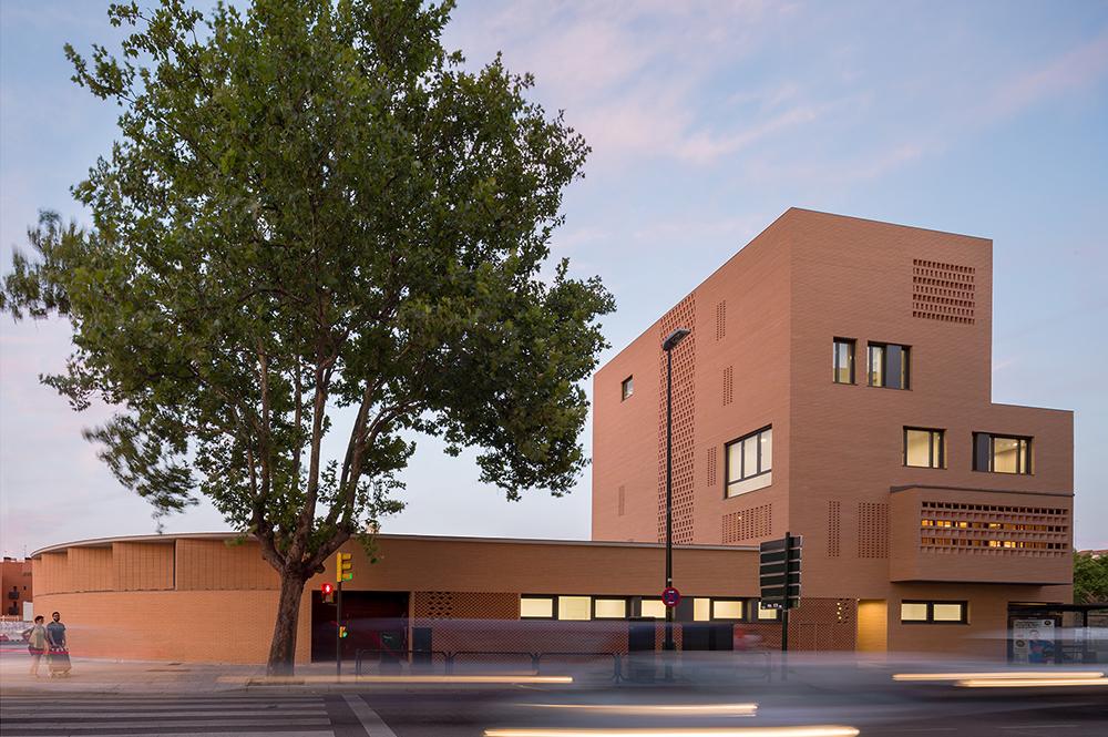 Colegio Agustín Gericó de Carlos Labarta, José Alfaro y Alejandro Dean